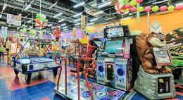 Поток посетителей развлекательных центров, резко упавший после трагедии в ТРК «Зимняя вишня», начал восстанавливаться