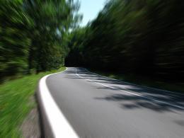 Качество дорог в России хотят повысить с помощью полиэтилена