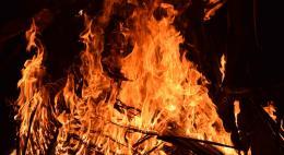 Во время поджара в доме 59 наРижском проспекте в Пскове спасен один человек с ожогами и отравлением угарным газом