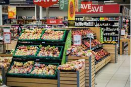 За первые семь месяцев потребительский спрос в России упал на 6,7%