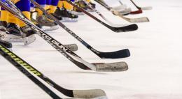 Команда хоккеисток с участием псковички Анастасии Тельновой обыграла сборную США во Флориде со счетом 5:0