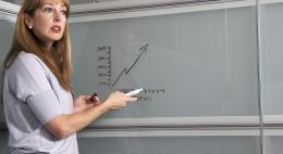 Учителям в школах снизят отчетную нагрузку