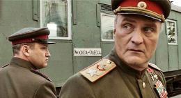 С сегодняшнего дня по будням в 21.05 смотрите на Первом Псковском многосерийный фильм «Жуков» о легендарном маршале Победы