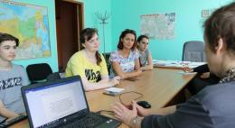 В Псковском городском молодежном центре прошел мастер-класс о курьезах произношения на английском языке