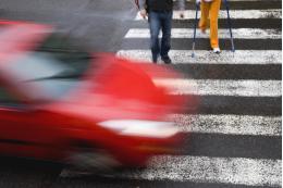 Смартфоны смогут предупреждать российских пешеходов о приближении автомобиля
