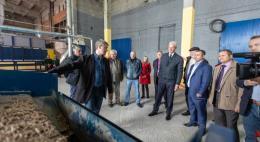 Завод по производству древесных топливных гранул открылся вСтругах Красных