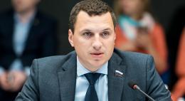 Депутат Александр Васильев предлагает ввести штрафы за превышение скорости на один километр в час