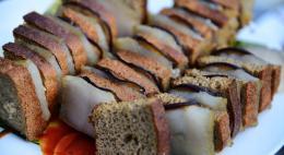 Двадцать с лишним тонн свиного шпика из Германии не пустили в Псковскую область