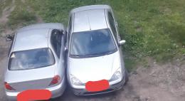 В Псковской области увеличили штраф за парковку на газонах