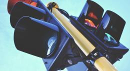 Вопрос надежности светофоров в Пскове решен наполовину: заменены 80% светильников и контроллеров