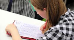 Рособрнадзор перенес сроки итогового сочинения для 11-х классов