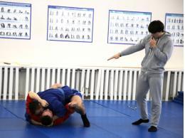 Соревнования по самозащите без оружия прошли в псковском УМВД