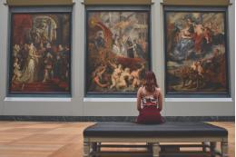 С 1 июня в регионах могут начать работу музеи и можно снимать кино