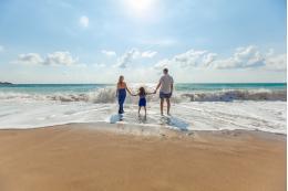В Госдуме предложили дать отпуск родителям школьников на время каникул