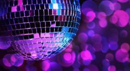 Власти поручили регионам закрыть ночные клубы и развлекательные центры