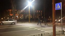На 18-ти пешеходных переходах Пскова станет светлее