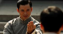 Завершает антологию лент о мастере боевых искусств на Первом Псковском фильм «Ип Ман: Рождение легенды» сегодня в 22.40