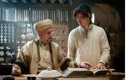 Сегодня в 01.10 в эфире Первого Псковского смотрите историческую приключенческую драму «Лекарь. Ученик Авиценны»