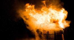 В деревне Заходы Псковского района во время пожара погиб человек