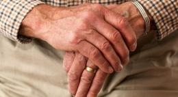 С 1 января страховые пенсии псковичей вырастут почти на 1000 рублей