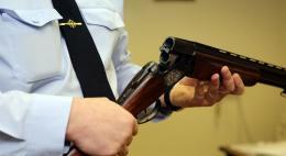 Добровольно сдать незаконно хранящееся оружиепризываетжителей УМВД России по Псковской области