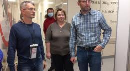 В Великие Луки прибыла бригада медиков из Пскова для помощи в борьбе с COVID-19