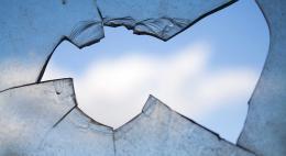Системы контроля загазованности и легко выбиваемые стеклопакеты будут ставить в новых домах для повышения безопасности