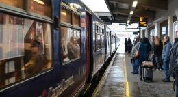 Многодетные семьи получат скидку 20% на летние поездки на поезде по России