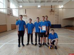 Победителями районных соревнований по волейболу стали юноши из Моглинской школы