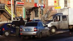 Изменилась схема движения на перекрестке улиц Коммунальной и Народной в Пскове