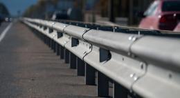 Около 12 км нового барьерного ограждения установят на дорогах в четырех районах Псковской области