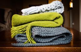В Роспотребнадзоре заявили, что нельзя использовать шарфы вместо масок