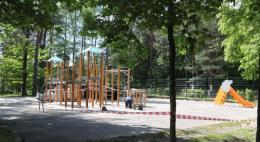 В Пушгорах возводят детскую площадку по проекту ФКГС