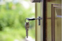 В этом году в Псковской области власти купят 18 квартир для врачей