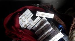 Псковские таможенники нашли сигареты в постельных принадлежностях
