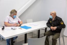 В третьем торговом центре Пскова открылся пункт вакцинации от COVID-19