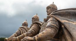 Сборка скульптурной композиции «Александр Невский с дружиной» началась в Самолве