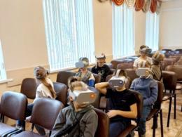 Псковские полицейские организовали для детей необычный киносеанс